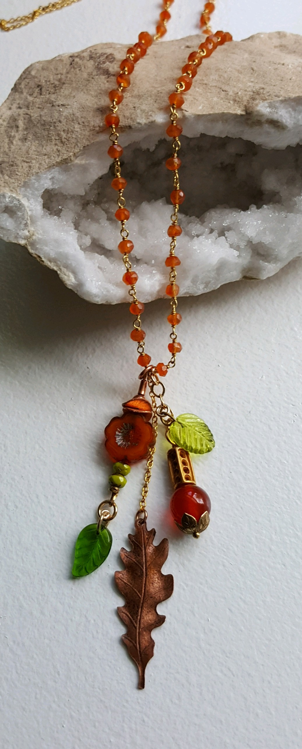 Autumn pendant with leaf and