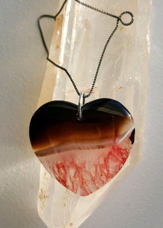 Brown-Red 2-tone Agate heart, on sterling ring and sterling oxidized box chain