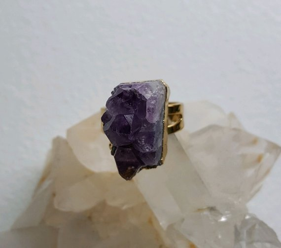 Lovely purple quartz with points, gold plated adjustable ring