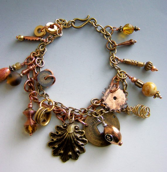 SteamPunkish charm bracelet in brass; double chain of copper and brass
