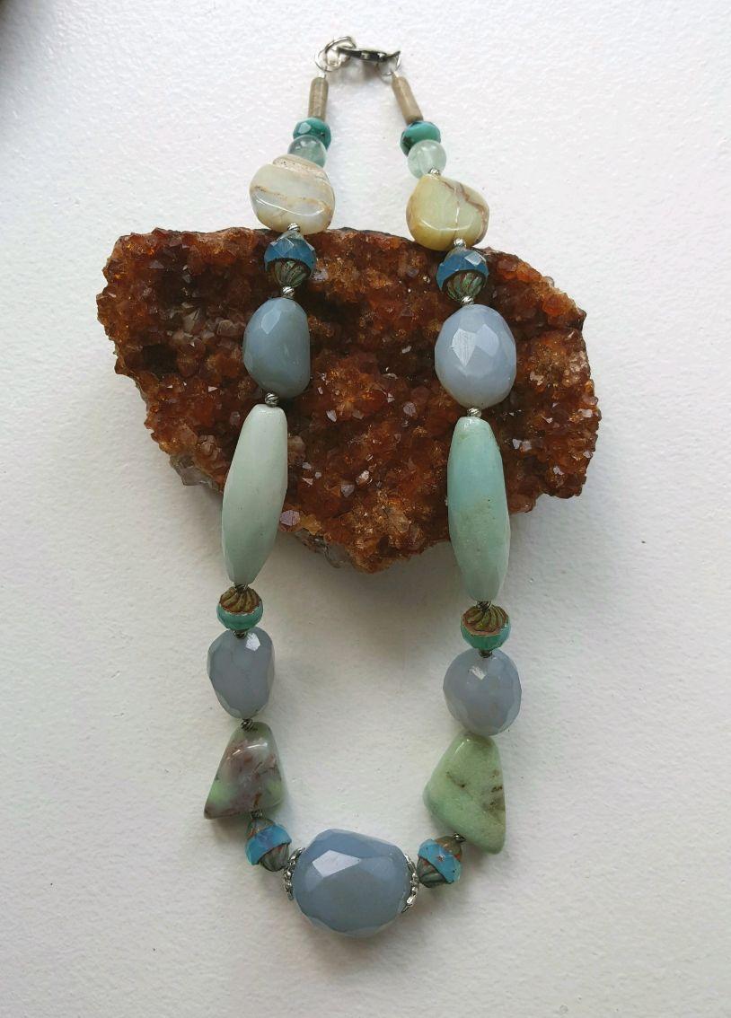 Blue Chalcedony, Peruvian Opal beads, vintage glassbeads, short