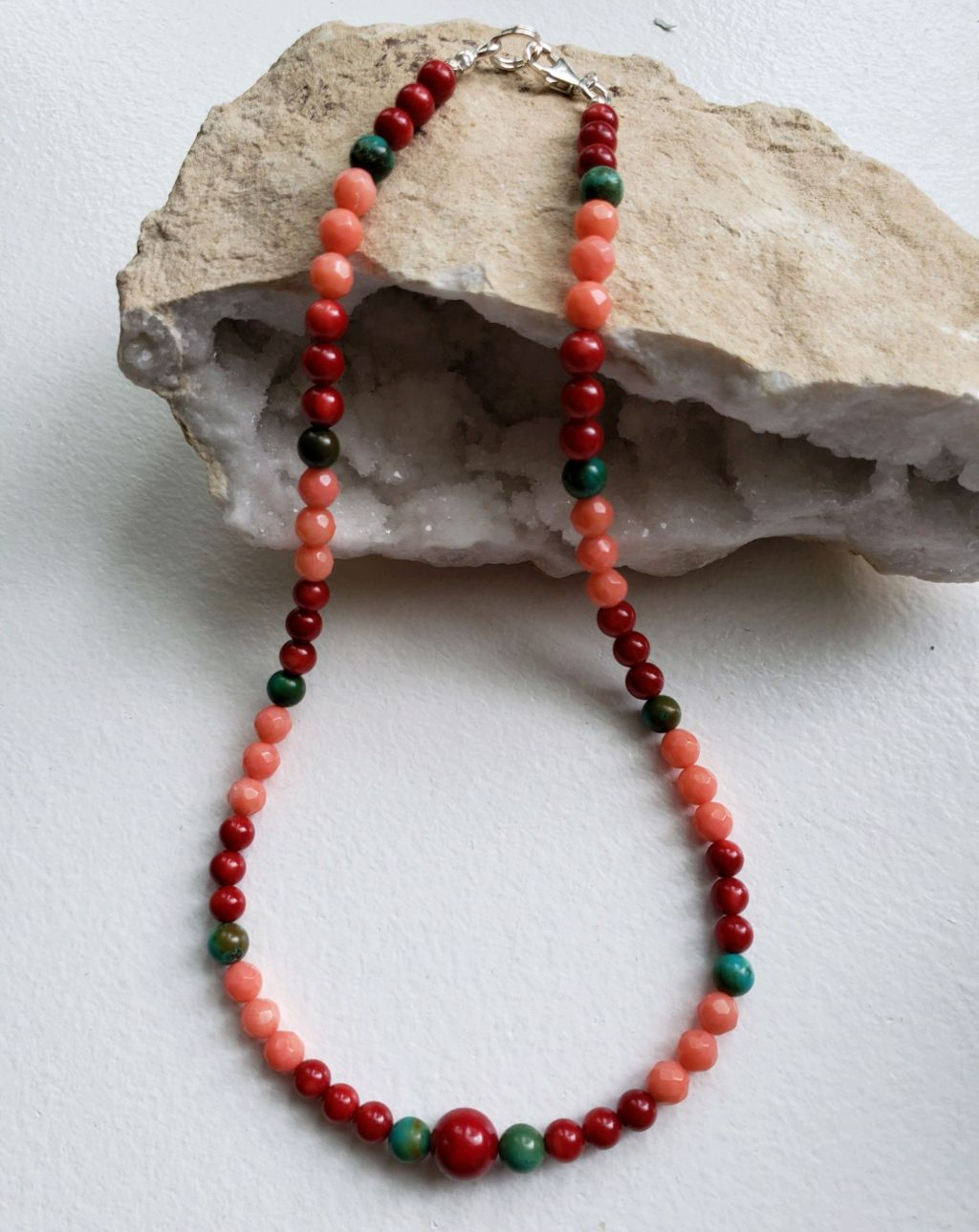 Multi-colored coral choker, red and pink, turquoise
